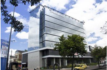 IMF Business School y Fincomercio Colombia firman acuerdo de cooperación