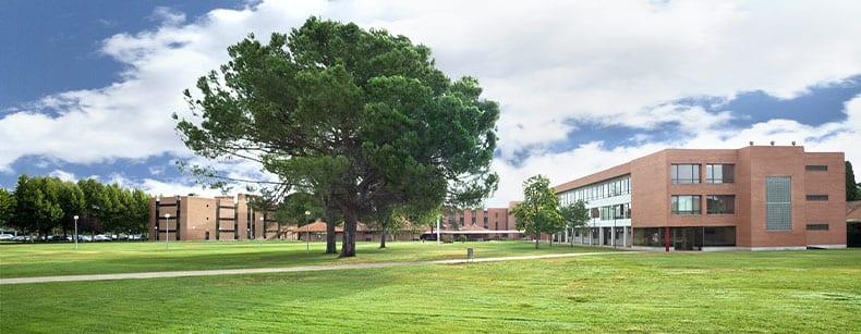 Portada de uno de los campus de la Universidad Nebrija